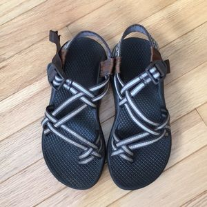 Women's Chacos Size 5